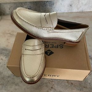Sperry Seaport penny platinum loafers